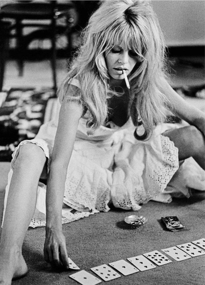 Brigitte_Bardot_BW_Cards_2048x2048.jpeg