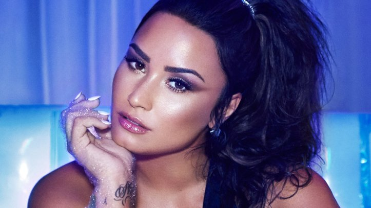 Demi-Lovato-press-photo-cr-Dennis-Leupold-2017-billboard-1548.jpg