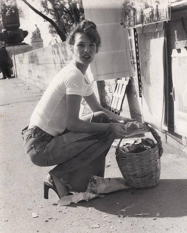quality-vintage-photography-archive-photography-silver-gelatin-print-jane-birkin-paris-early-1970-s-printed-1970-s-18921040978_800x.jpg