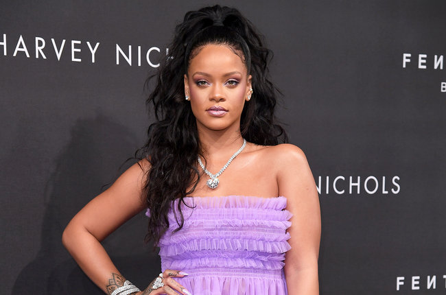 rihanna-sept-19-2018-p-r-billboard-1548.jpg